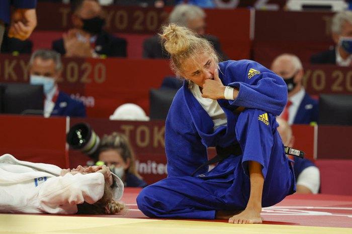 Дар'я Білодід після перемоги над Широю Рішоні (з Ізраїлю) у змаганнях серед жінок до 48 кг за бронзову медаль з дзюдо на Олімпійських іграх у Токіо, 24 липня 2021 р.