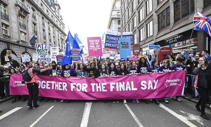Марш «Вместе за финальное слово» против Brexit в Лондоне, 19 октября 2019