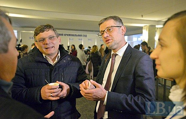 Нардеп фракції Самопоміч Руслан Сидорович (справа) після тестування