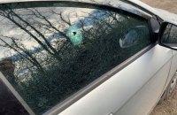 """На Донбасі бойовики обстріляли авто з журналістами телеканалу """"Україна"""""""