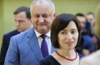 Молдовський шанс: Додон поступається Санду