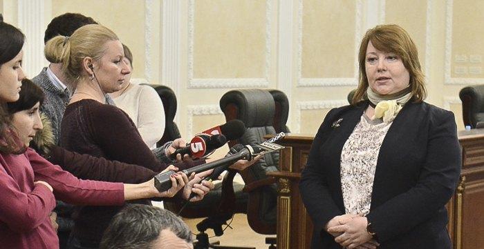 Валентина Сімоненко ( справа)