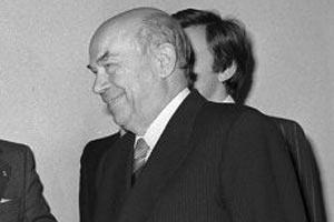 Умер личный переводчик Сталина