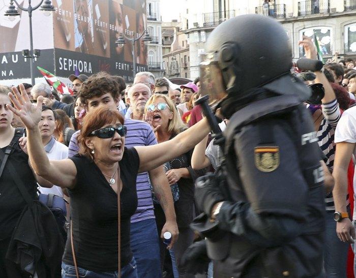Сутички з поліцією в день проведення референдуму, Барселона