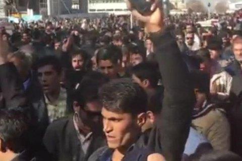 В Ірані спалахнули масові протести проти підвищення цін, поліція застосувала силу (оновлено)