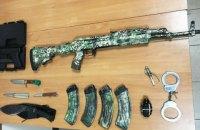 В торговом морпорту Одессы задержали четырех парней с муляжами оружия и гранат