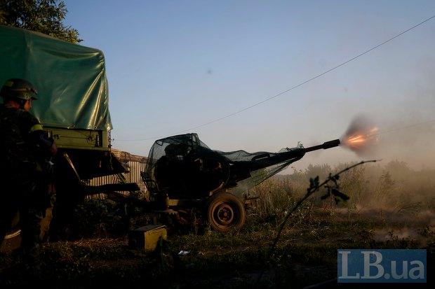 Бойцы в Иловайске отражают нападение боевиков