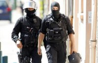Парижская полиция взяла под охрану все местные СМИ