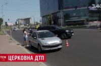 Помощник наместника Лавры устроил ДТП и скрылся с места аварии