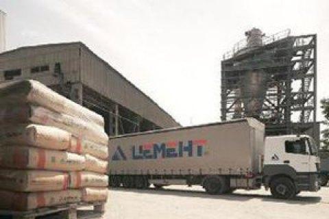 Украина ввела эмбарго на российский цемент и фанеру