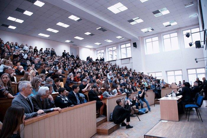 Зустріч Сергія Жадана та Юрія Андруховича з читачами в Харкові, 7 квітня 2017