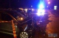 На Володимирському узвозі в центрі Києва автомобіль винесло на зустрічну смугу, загинула жінка