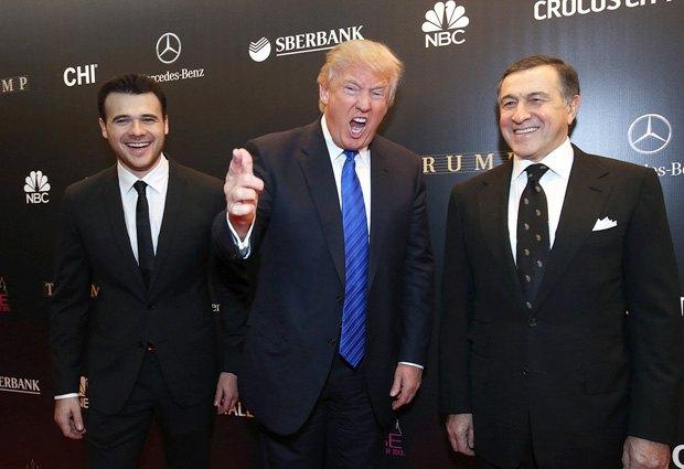 Слева направо: Эмин Агаларов, Дональд Трамп и Араз Агаларов перед финалом конкурса «Мисс Вселенная – 2013» в Москве.