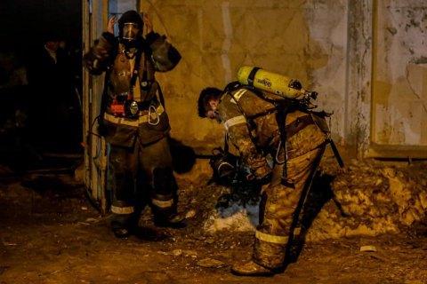 В Киеве в результате пожара в недостроенной бане погибло три человека