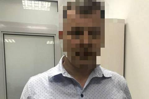 Киянин із підробленим паспортом забрав 200 тис. грн зі збанкрутілого банку замість кримчанки