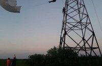 В Ивано-Франковской области парашютист зацепился за линии электропередачи
