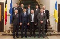 Гройсман у Європі вимагав зброю для України