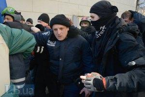 МВС заявляє про смерть 7 міліціонерів