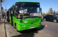 В Дарницком районе Киева столкнулись две маршрутки, пострадала пассажирка