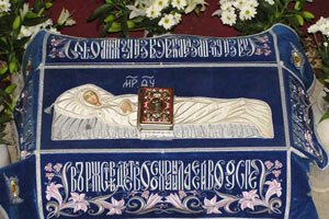 Плащаница Пресвятой Богородицы пробудет в Украине еще три недели
