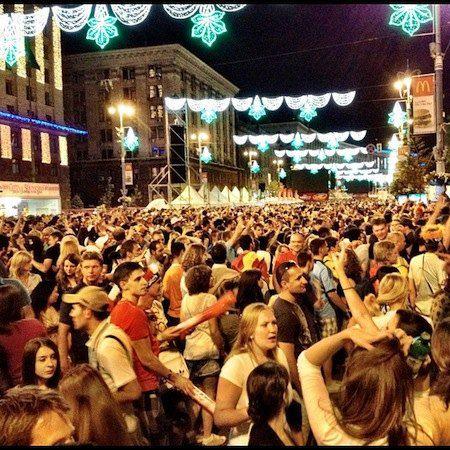 В Киевской фан-зоне до сих пор продолжается празднование