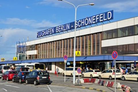 Пів сотні українців не змогли вилетіти з Берліна через черги на паспортному контролі