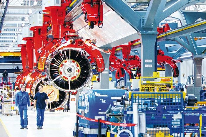 Компания Safran развернула завод по производству авиационных двигателей, оснащенный новейшими технологиями: коботическое, аддитивное производство, дополненная реальность