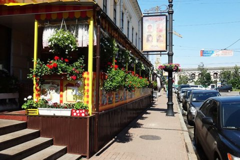 Пішохідну вулицю Сагайдачного в Києві тимчасово зроблять проїзною