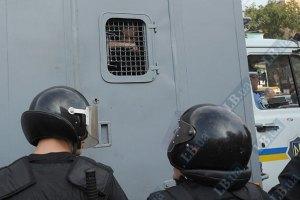 Міліція масово закуповує до виборів автозаки і водомети