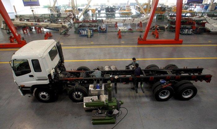Производственная линия на заводе Xuzhou Construction Machinery Group (XCMG), Китай.