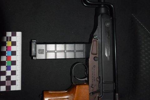 У Вінниці поліцейські затримали 18-річного велосипедиста з бойовим пістолетом