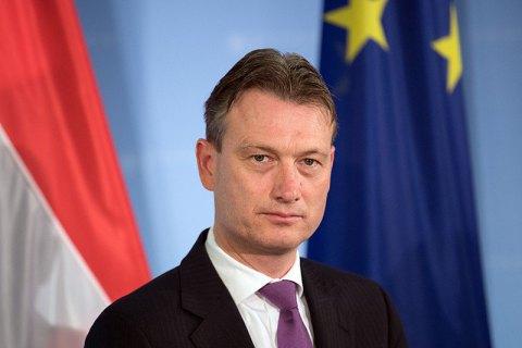 Глава МИД Нидерландов ушел в отставку из-за лжи о встрече с Путиным