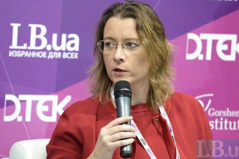 Дюмон спростувала зв'язок між виборами у Франції і безвізом для України