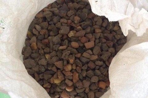 На Волині місцевий мешканець збирався вивезти в Польщу понад 100 кг бурштину