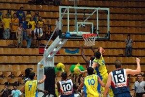 Украинские баскетболисты проигрывают россиянам на Чемпионате Европы