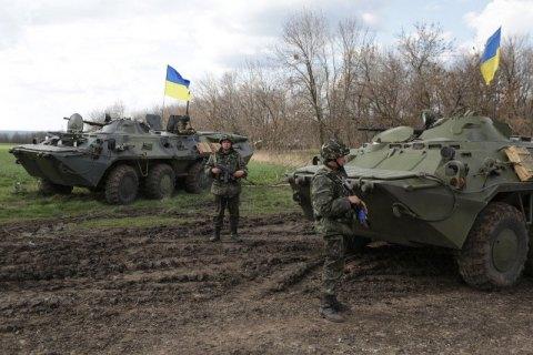 Украинских военных обстреливают под Широкино