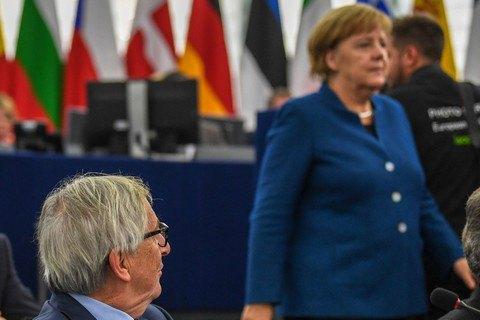 Юнкер бачить Меркель у керівництві ЄС після того, як вона піде з поста канцлера