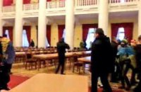 Милиция ведет переговоры с захватчиками КГГА и Дома профсоюзов