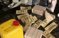 В Киеве задержали африканца, обещавшего аграриям изготовить $200 тыс. фальшивых купюр