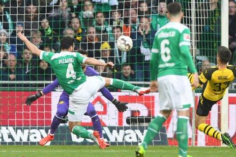 """У Бундеслізі гравець, якому """"за 40"""" забив гол, оновивши рекорд ліги"""