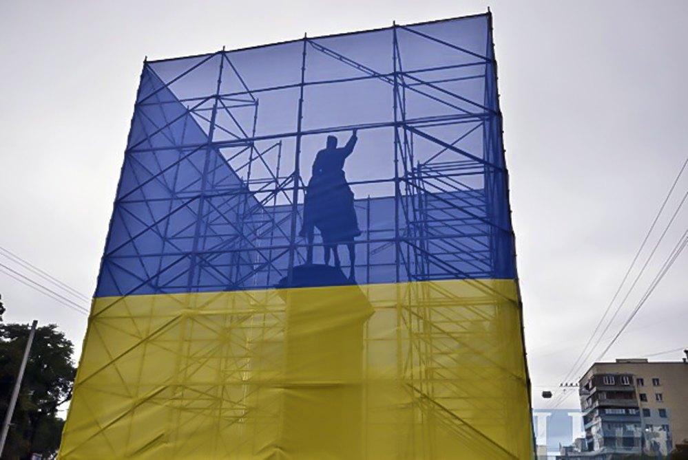 Пам'ятник Щорсу, для якого позував Леонід Кравчук