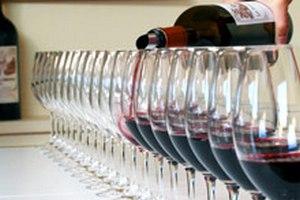 Безалкогольное красное вино снижает давление не хуже обычного, - ученые
