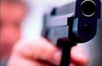 В Киеве неадекватный водитель с пистолетом требовал уступить дорогу