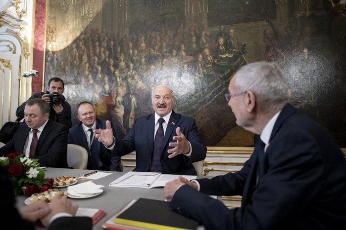 Встреча президент Беларуси Александр Лукашенко и федеральный президент Австрии Александра Ван дер Беллен в дворце Хофбург