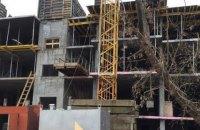 Прокуратура Киева требует демонтировать пять лишних этажей новостройки в Соломенском районе