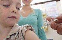 Школьникам запретили делать прививки без согласия родителей
