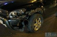 У Києві зіткнулися два джипи, винуватець утік