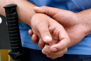 СБУ задержала милиционера, готовившего диверсию в Мариуполе
