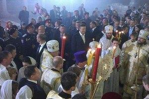 """Охрана Януковича ограничивала доступ в храм """"по просьбе верующих"""""""