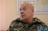 Журналист и военный пытались повалить памятник Ворошилову в Северодонецке